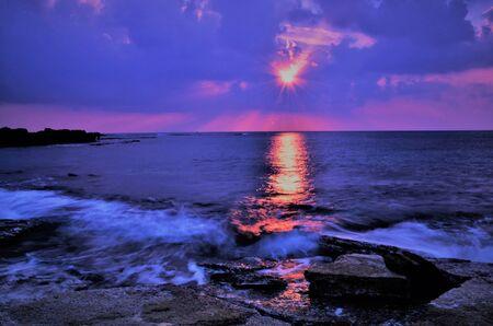Un coucher de soleil fou en Israël Vues de la Terre Sainte