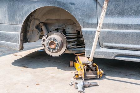 remove: remove the wheel