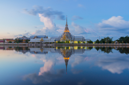 chachoengsao: Wat Sothon Wararam Worawihan in the twilight, Chachoengsao, Thailand
