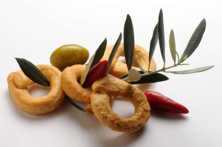 Taralli with olive oil and hot pepper.
