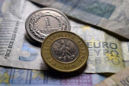 Close up on polish coins and euro banknotes Standard-Bild