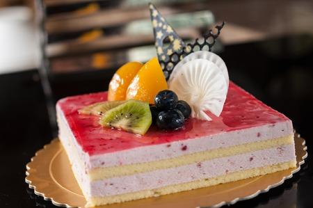 porcion de pastel: Torta de la fresa Mousse