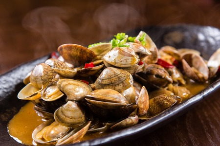clams: Spicy fried clams
