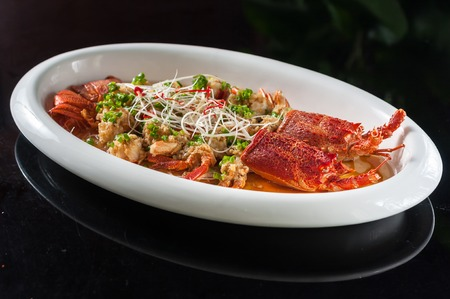 spiny lobster: Steamed lobster with rice noodles and garlic
