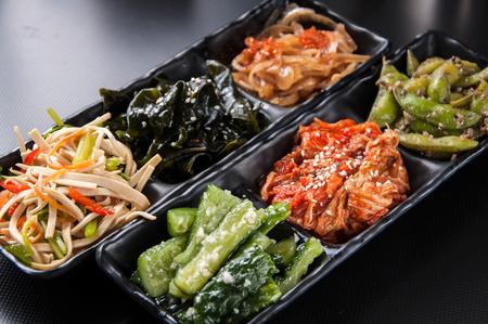 pickles: la cocina japonesa - pepinillos Foto de archivo