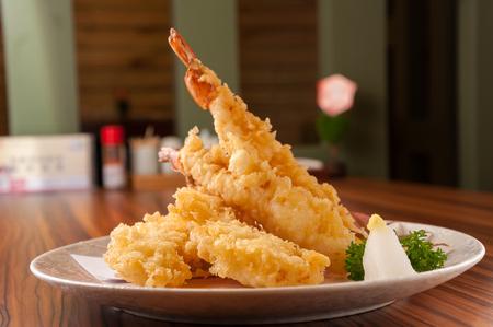 Cuisine japonaise - Crevettes tempura (crevettes frites)