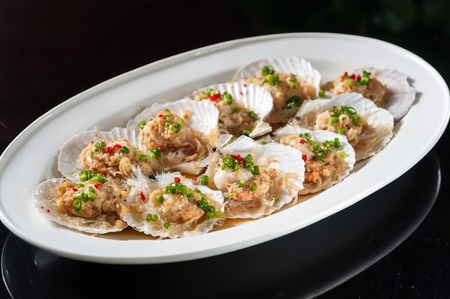 sea fans: Steamed scallop with garlic and rice noodles