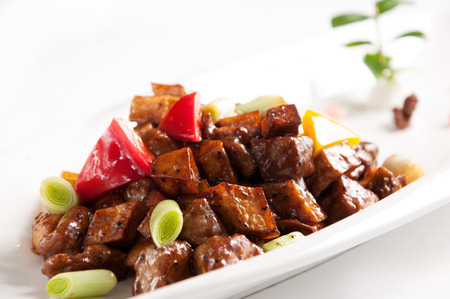 pepe nero: Chinese cuisine-Stir fried beef with black pepper and mushroom