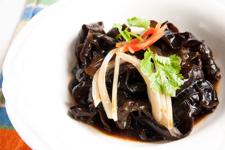 Chinese cuisine-Onion mix fungus