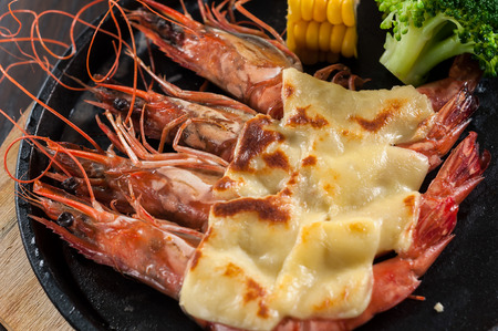 Grilled shrimp with cheese