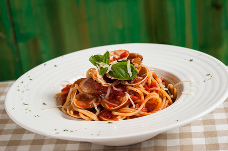Red sauce spaghetti with clams