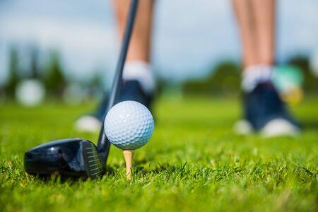 golf ball ang club on golf green grass natural fairway Standard-Bild