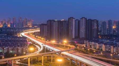 中国天津市に仁くん橋の夜景 写真素材 - 88672774