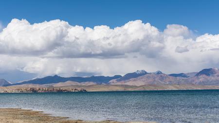 チベットのマナサロヴァル湖、中国 写真素材