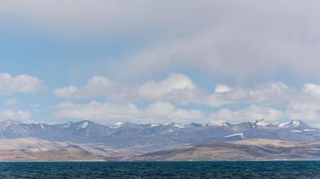 チベット、中国のマナサロヴァル湖 写真素材