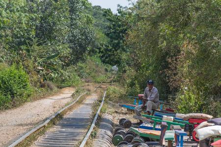 Bamboo train in Cambodia 新聞圖片