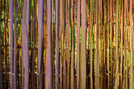 Decorazione per feste con frange in lamina metallica che riflette luci colorate. Frangia in lamina d'oro metallizzata per porte, finestre, tende, decorazioni murali - feste, balli, matrimoni, compleanni, decorazioni per eventi.