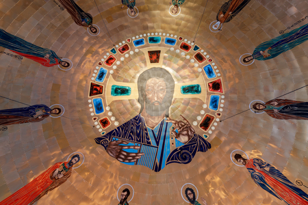 Oakland, California - September 30, 2018: Dome of the Ascension Greek Orthodox Cathedral of Oakland. Inside the Greek Orthodox Cathedral of the Ascension. Oakland, Alameda County, California, USA. 版權商用圖片