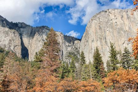 Autumn views from Yosemite Valley. Yosemite National Park, Mariposa County, California, USA.