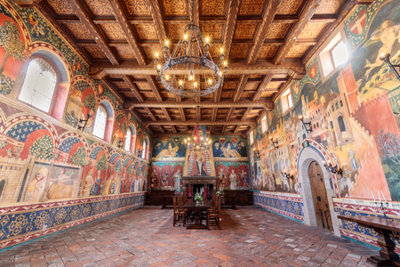 Calistoga, California - April 27, 2019: The Great Hall in Castello di Amorosa. The castle interiors, which include 107 rooms on 8 levels, cover approximately 121,000 square feet. 報道画像