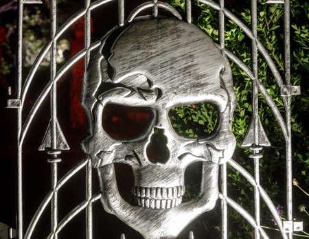 Skull Gate Decorating Halloween Season at Night Фото со стока