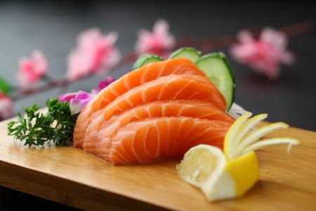 sashimi: salmon sashimi