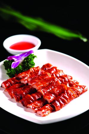 large intestine: intestino grueso con salsa