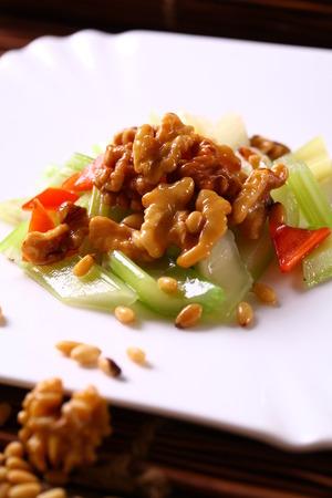 pine nuts: pine nuts fried walnuts