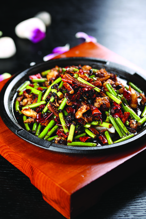 squids: Dried chili stir fried with squids and vegetables