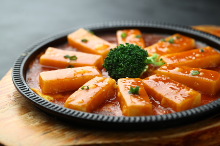 sizzling: Chinese cuisine served on sizzling plate Stock Photo