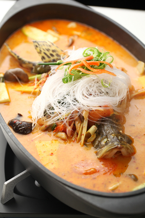 chafing dish: glass noodle with tom yum seafood