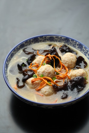 cloud ear fungus: Meatball soup served in a bowl