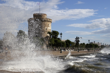 Big waves heat infront of the White Tower in Thessaloniki,Greece photo