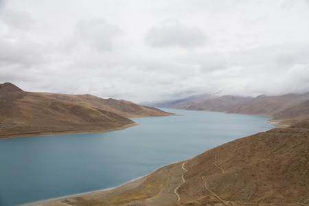 desertification: Chinas Tibet yamdrok Lake