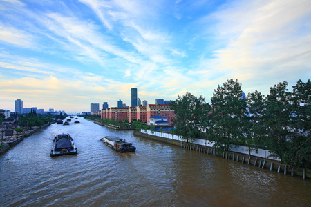 moving images: Huge ships moving along the chinese grand canal