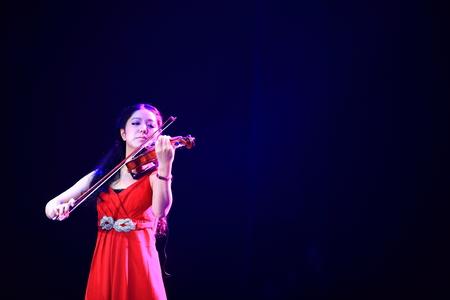 violinista: rendimiento violinista femenina