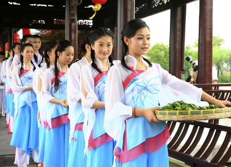 traditional clothing: Young women in traditional clothing