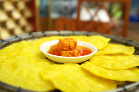 beancurd: Crackers with spicy fermented beancurd