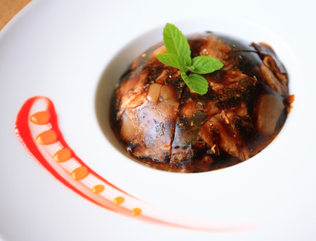 gelatina: Un plato de comida en gelatina