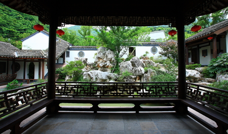 chinese courtyard: Inside a Chinese gazebo