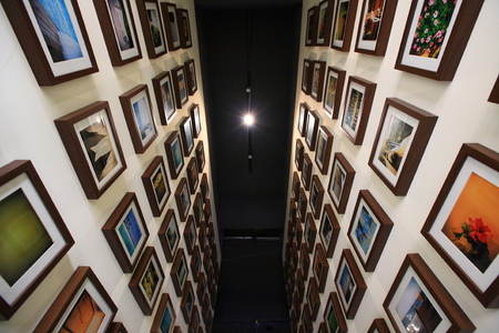 coffeehouse: View of photo frames in a coffeehouse