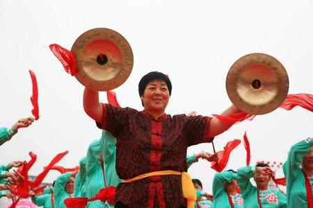 performing: Women performing
