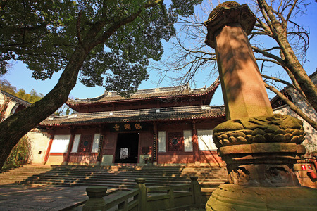 front yard: Front yard of the Baoguo temple