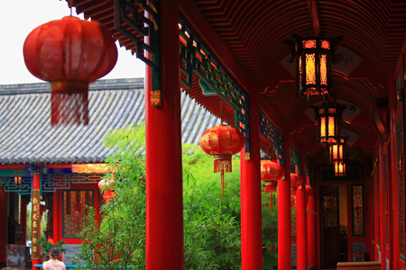 asian house plants: Corridor of traditional house