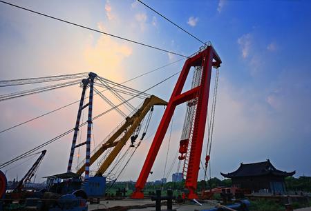 wharf: Construction crane at the wharf