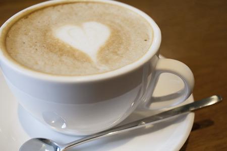 cappuccio: Capuchino coffee in a white cup