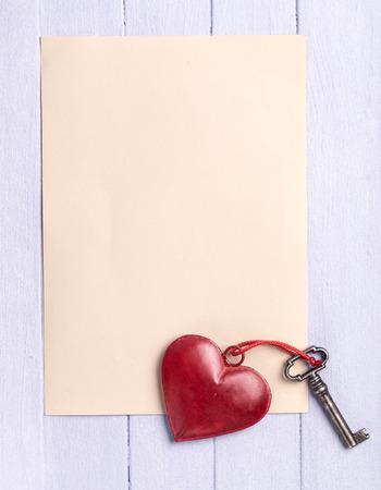 Dos En Blanco Para Escribir Texto Con El Corazón En La