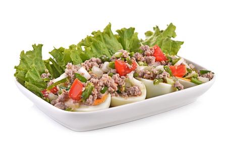salad plate: Uovo Piatto Insalata isolato sfondo bianco Archivio Fotografico