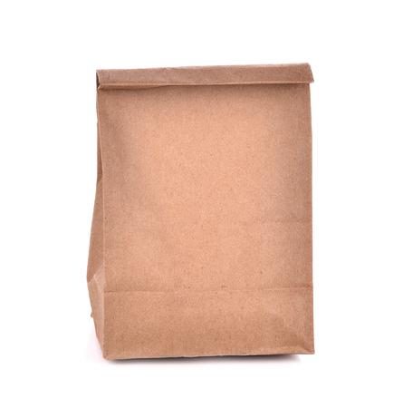 paper craft: bolsas de papel marrón aisladas fondo blanco Foto de archivo