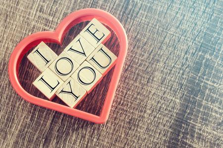 love letter: Concepto del amor. Cruz de imagen procesada para la mirada de la vendimia